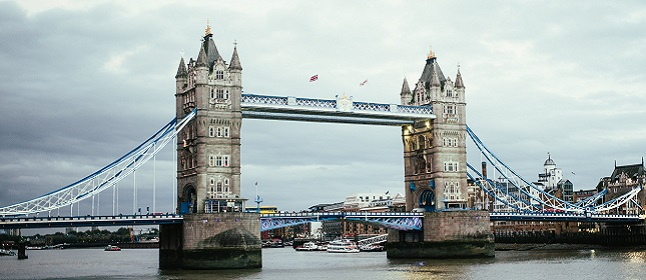 london-bridge-over-thames